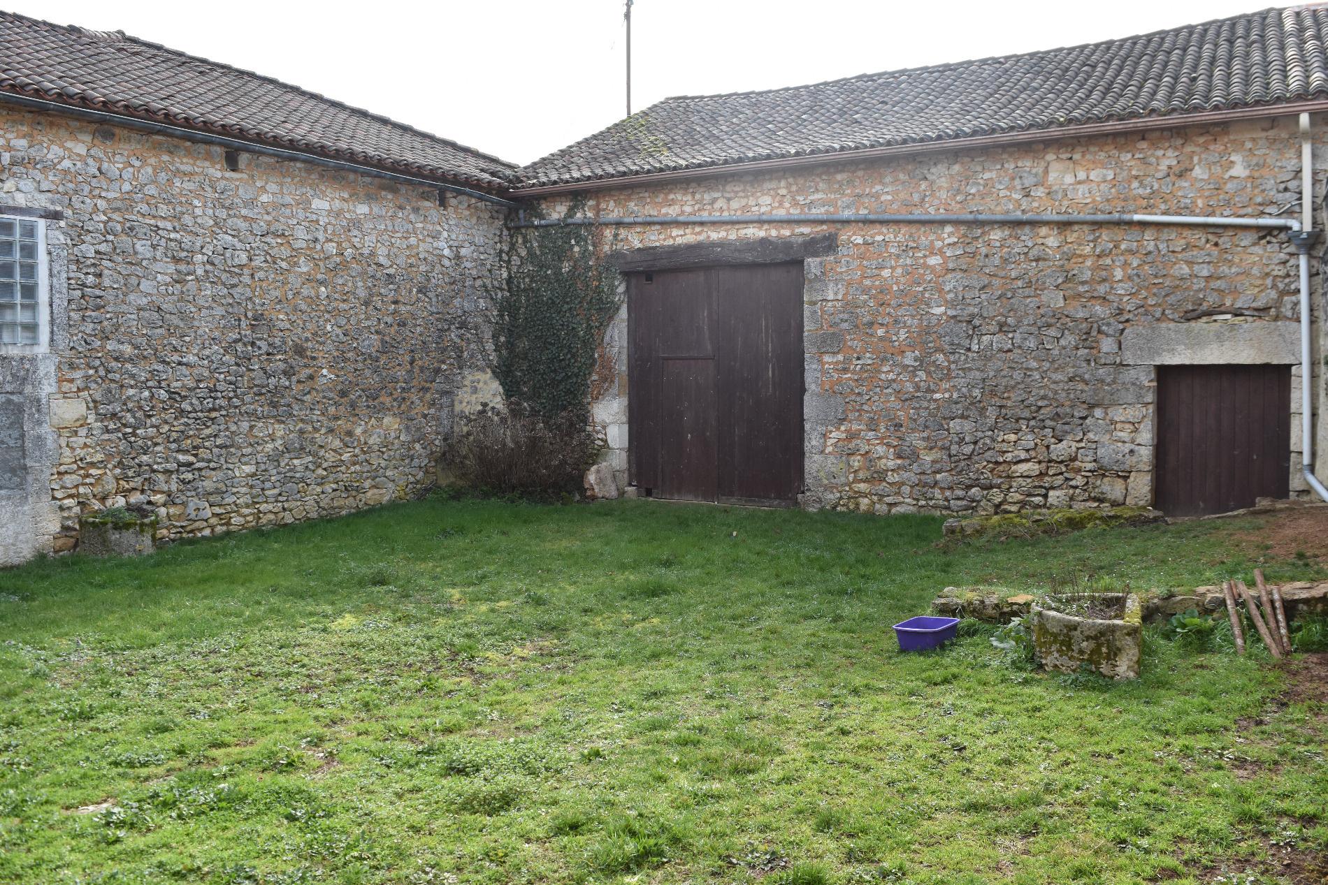 Achat maison t6 vilhonneur anb immobilier for Achat maison yvrac