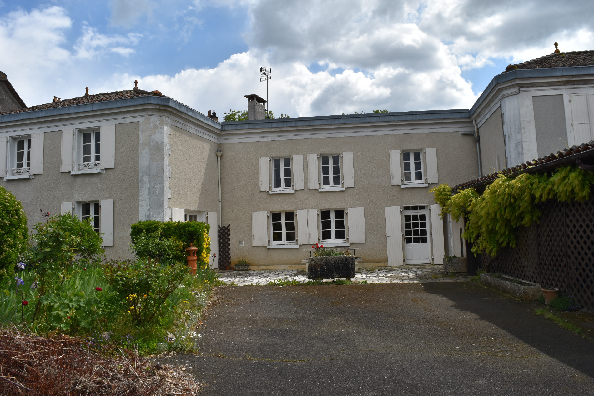 Houses For Sale in Charente